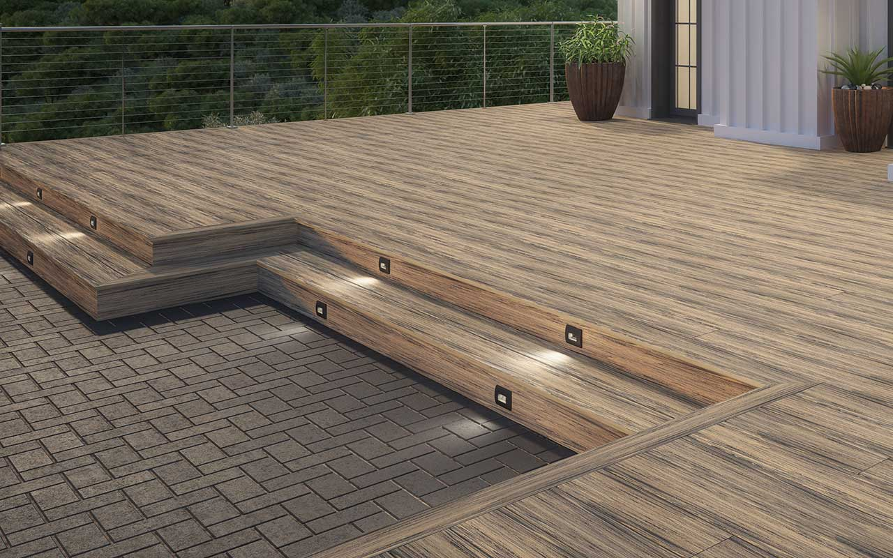 Costa Voyage Decking, SLX Cable Rail and Deckorators by Hinkley Step Lights